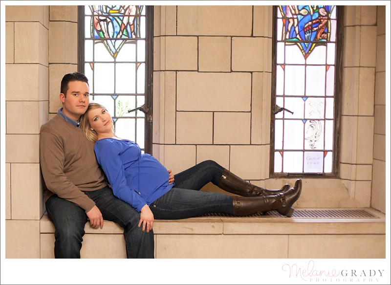 Pittsburgh Maternity Photographer - Cathedral of Learning - Pitt