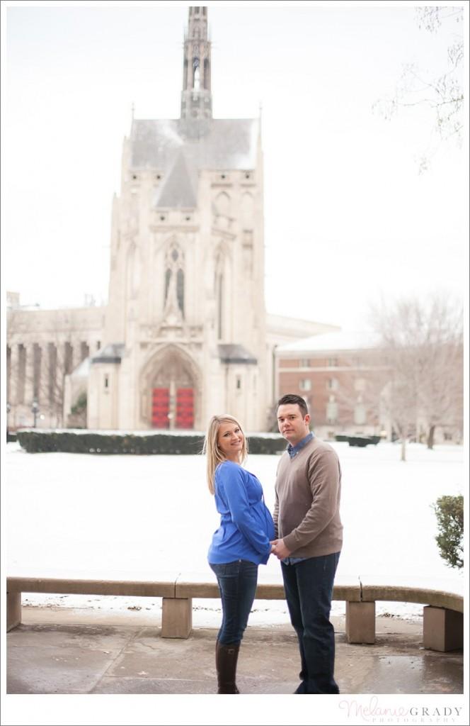 Pittsburgh Maternity Photographer - Heinz Chapel - snow