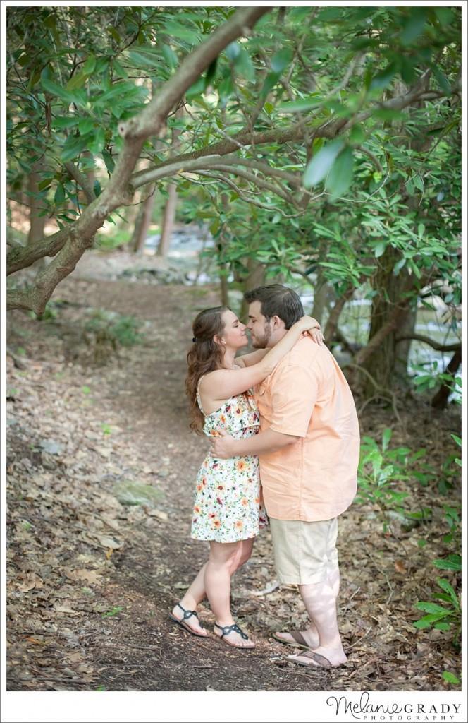 Linn Run State Park, Engagement session, Melanie Grady Photography, kiss