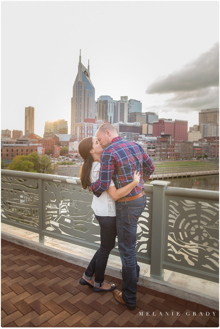 The best downtown Nashville engagement session - take a look
